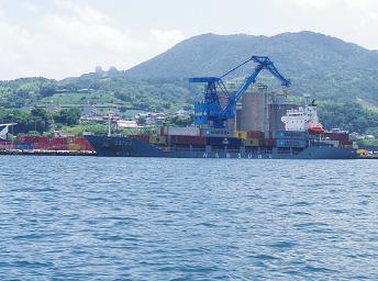 福井地区 外貿コンテナ船